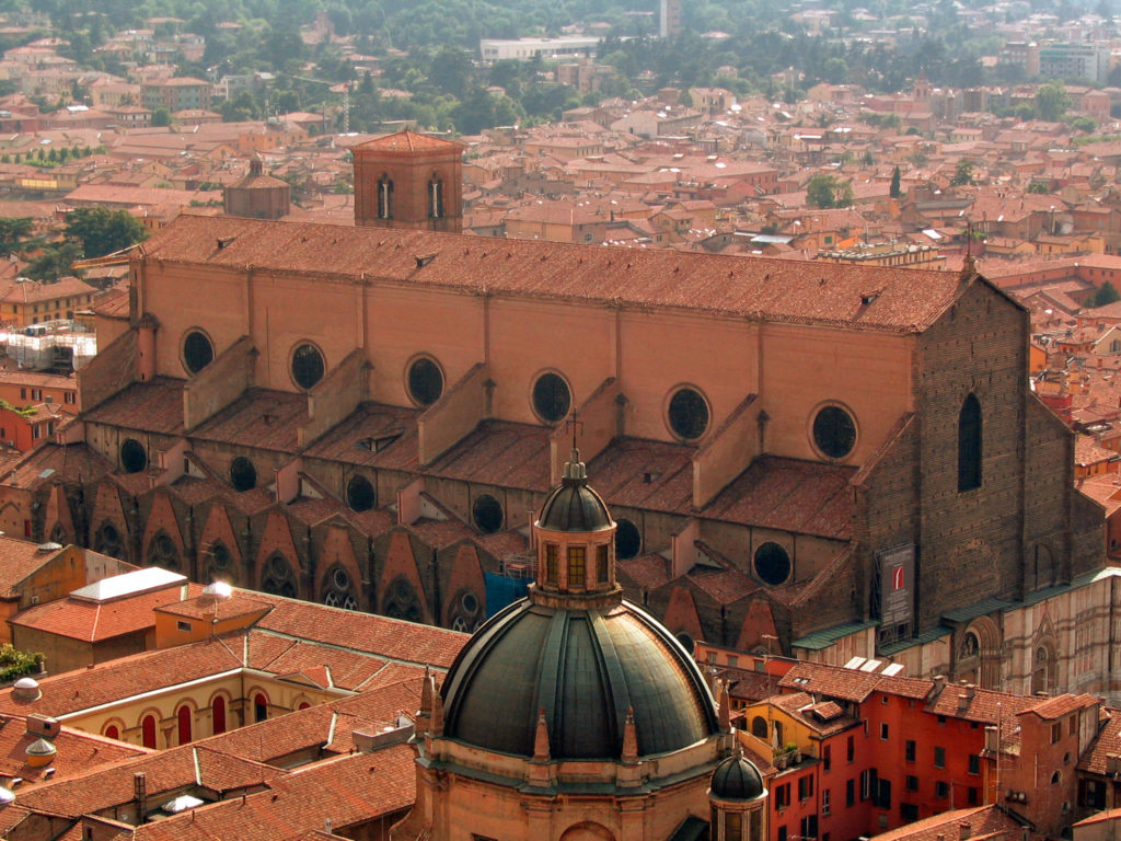 Bologna_Italy_San_Petronio_from_Asinelli